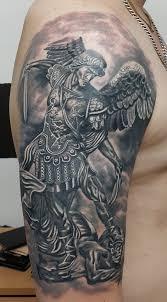 архангел михаил тату на плече у парня добавлено юрий сурков