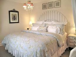Shabby Chic Bedroom Ideas Diy Light Green Floral Quilt Iron