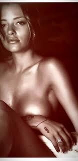 Silvia Provvedi hot su Instagram: la foto in topless compare ...