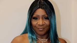 A1's Mom Pam Really Is Out Here Boo'd Up With a Hot, Younger Man - VH1 News