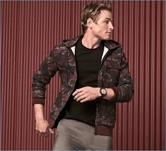 a sporty vision patrick o donnell wears a kenneth cole reaction camouflage print hoo