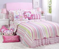Amazon.com: Merrill Girl Twin Quilt Set: Home & Kitchen &  Adamdwight.com
