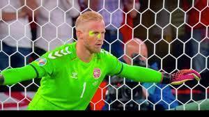EM 2021: Nach Laser-Attacke gegen Schmeichel – Uefa ermittelt gegen England  - FUSSBALL - SPORT BILD