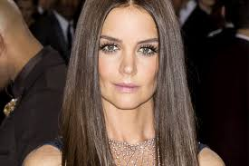 Katie Holmes Hairstyles 39 Best Katie Holmes Pixie Cut Celebrity DailyBeauty The Beauty