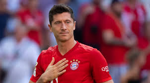 The winner of last year's best fifa men's player has scored 47 goals in 42 games this season in all competitions for. Transfer Im Sommer Lewandowski Zukunft Wohl Entschieden Fums