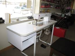 Bailey's Home Quilter Pro 15EHP & Bailey's Sit Down Quilting Table Adamdwight.com