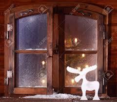 Rentier Dekoration Feiern Weihnachten Auf Einem Rustikalen Fenster