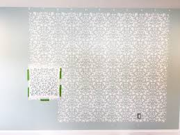 this detailed post is so helpful in teaching how to stencil a wall allover stenciling