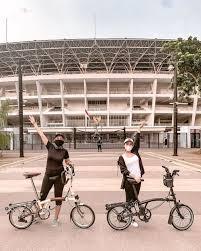 Luna sendiri memilih roadbike alias sepeda balap. New Normal Luna Maya Hingga Cita Citata Cari Keringat Di Gbk Berempat