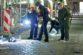 Die polizei konnte den täter noch am tatort festnehmen. Messer Attacke Auf Touristen In Dresden Der Tater Ist Noch Immer Auf Der Flucht Tag24