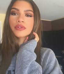 zendaya looks like a totally diffe person without any makeup on for