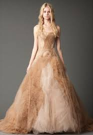 fall wedding dress sang maestro