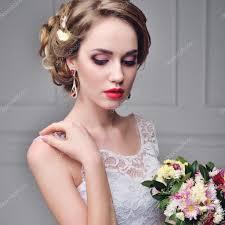美しい花嫁の肖像画結婚式メイクやダイヤモンド クラウンファッション