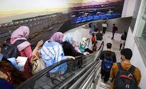Planeload of fleeing Afghans arrive in ...