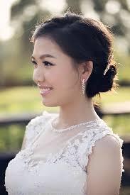 outdoor prewedding bridal makeup