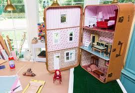 handmade dollhouse, cardboard dollhouse, easy dollhouse, kid crafts, make a  dollhouse,