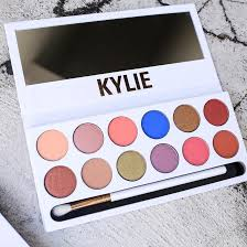 how to use the kylie cosmetics royal peach palette according to beauty gers allure