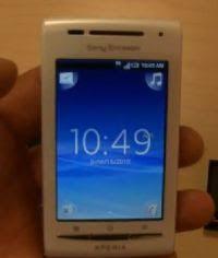 sony ericsson xperia x8. xperia x8 termasuk ponsel android kelas menengah yang cukup menggiurkan. dengan harga terjangkau, seri ini tergolong kaya fitur inovasi interface sony ericsson 9