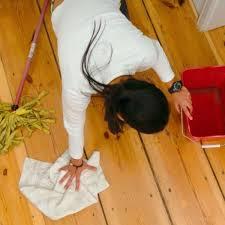 Auf dem fußboden klackert niko mit steinen. Diese Fehler Beim Putzen Werden Sie Bereuen Sie Konnen Sie Krank Machen Gesundheit