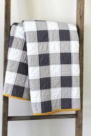 Mer enn 25 bra ideer om Plaid quilt på Pinterest & Craftyblossom: gingham patchwork quilt...I keep meaning to make one of these Adamdwight.com