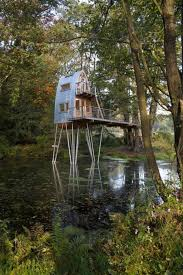 Outdoor: Amazing Three Story Treehouse Design - Forest Treehouse