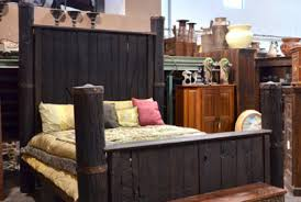antique column style bed