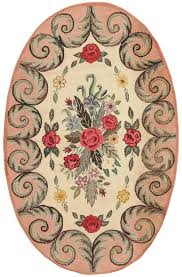although antique american hooked rugs are generally thought to reflect new world folk traditions they