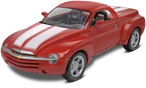 Amazon.com: Revell Chevy SSR Car Plastic Model Kit, Scale 1/25 ...