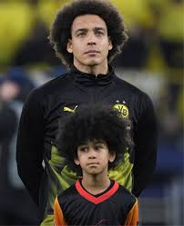 Mini-Me bei BVB gegen Paris! Axel Witsel feiert sein Frisuren-Double