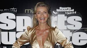 Paulina Porizkova wows in blue bikini ...