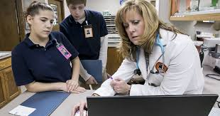 smyrna west students job shadow veterinarian