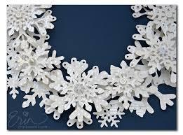 Snowflake Wreath CloseUp2 Paper Snowflake Wreath CloseUp2