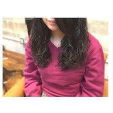 ゆるふわ黒髪パーマの女性の髪型16選セミロングロングショート Cuty