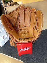 this is a cool baseball glove chair from the rawlings