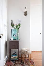 small entryway table. Decorate Your Home Using Small Entryway Table Ideas: Stylish Design With Floral Arrangement And N