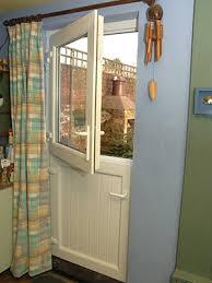 le door open view