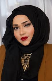 occupation founder of wwags a hijab styling pany and modeling agency for muslim women hometown london saman 39 s makeup