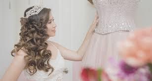 Hairstyles For A Quinceanera 20 Absolutely Stunning Quinceanera Hairstyles With Crown Quinceanera