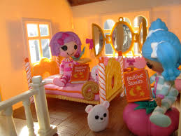 Lalaloopsy Bedroom Dolly Bricked Road Miniature Monday34 Calico Critters Luxury