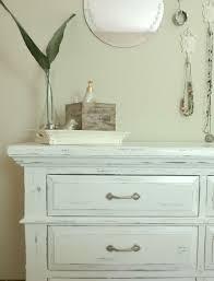 Adding Unique Texture to Furniture DIY Chalk Paint Dresser