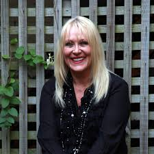 Tyneside singer Lorraine Crosby to get married - Chronicle Live