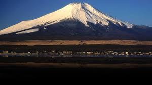 ญี่ปุ่น งง ภูเขาไฟฟูจิแปลก ไม่มีหิมะในฤดูหนาว หวั่นปะทุ นักวิทย์โร่แถลงไข