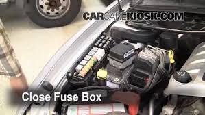 replace a fuse 2008 2009 pontiac g8 2009 pontiac g8 gt 6 0l v8 2009 Pontiac G8 at 2008 Pontiac G8 Fuse Box