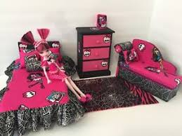 Details about Monster High bedroom furniture Set: Draculaura. Bed, sofa ,chest,bed Set,lamp