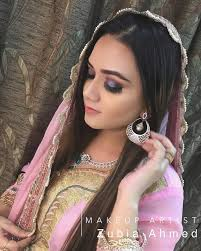 the reason we roped in zubia ahmed the makeup expert from kanpur to reveal the makeup secrets to our brides so that you stay unsullied under the sun