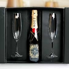 moet chandon chagne in crystal flute gift box