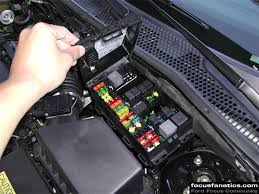 focus fanatics how to independent fog lights ford focus fuse box location 2005 Ford Focus Fuse Box Location #28
