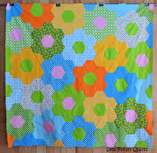 Sew Fresh Quilts: Tutorial for Sewing Hexagons by Machine & Whole Hexagon Quilt Adamdwight.com