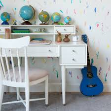 kids room kids desks and chairs having a desk in a kid 39 s room