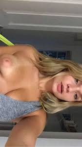American Twitch Star Zoie Burgher Nude Photos Leaked